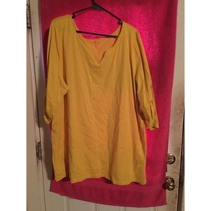 Comfy yellow T-shirt
